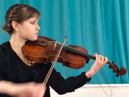 Angelica Podola and her viola, Port Chester
