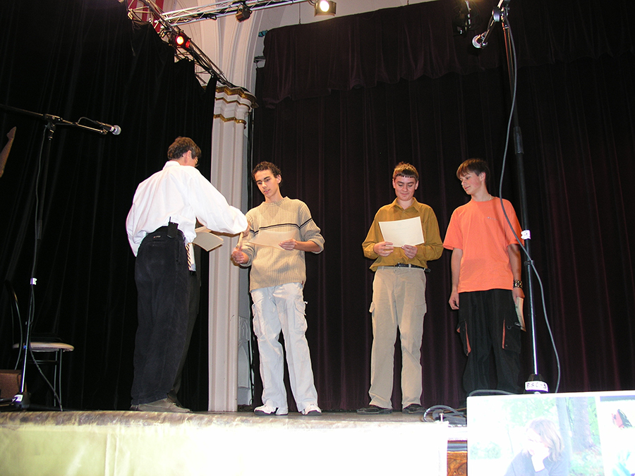 2003 Art Camp students getting their diplomas