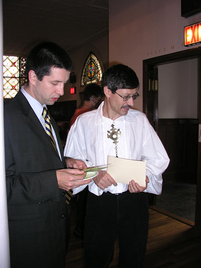 Consul Marek Skulimowski with Jerzy Lesniak